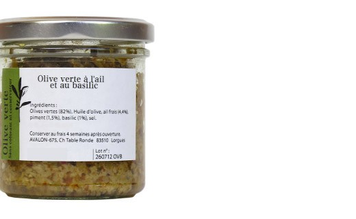 grüne Oliven mit Basilikum und frischen Knoblauch - Les Petits Potins